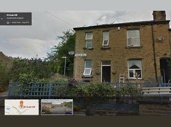 EasyRoommate UK - Easy Going Female needing a roomy :) - Huddersfield, Kirklees - £206 pcm