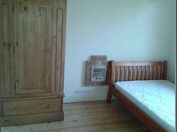 EasyRoommate UK - Lovel double room - easy commute to Bristol / Bath - Brislington, Bristol - £465 pcm