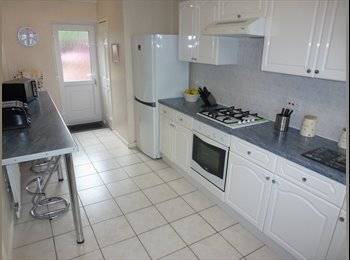 EasyRoommate UK - 1 Double room to let in 3 bed house,ALL BILLS INC - Wythenshawe, Manchester - £390 pcm