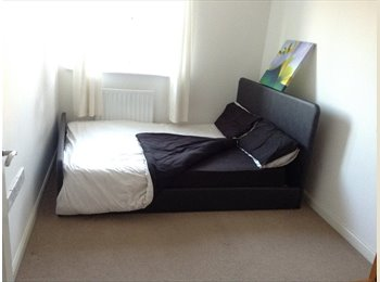 EasyRoommate UK - Double room to rent in a 2 bedroom modern flat - Murston, Sittingbourne - £360 pcm