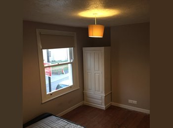 Room to rent in Netley Monday-Friday Only