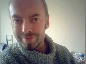 EasyRoommate UK - Andrew - 49 - Southport
