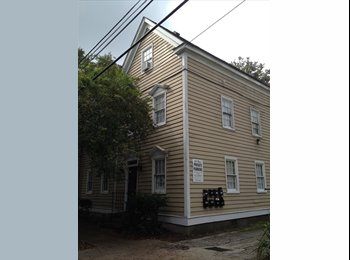EasyRoommate US - Room for Rent Downtown (CofC, MUSC) - Charleston, Charleston Area - $1,000 pcm