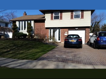 EasyRoommate US - House Share - Hicksville, Long Island - $1,000 pcm