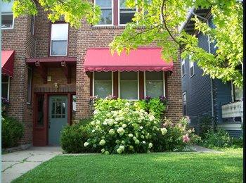 EasyRoommate US - Share Beautiful Condo - St Paul East, Minneapolis / St Paul - $450 pcm