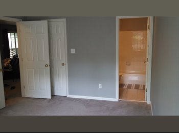EasyRoommate US - Large Bedroom/Bathroom Suite - Secluded Community - Mecklenburg County, Charlotte Area - $650 pcm