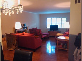 EasyRoommate US - female roommate wanted in a 3br 2 bath condo. - Medical Center, Houston - $725 pcm
