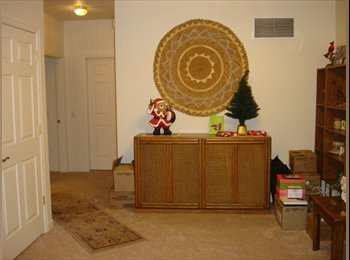 EasyRoommate US - Grand Junction Condo w/outside pool - Western Slope, Other-Colorado - $425 pcm