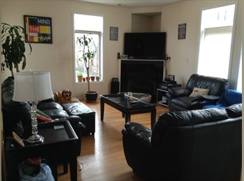 EasyRoommate US - Furnished room for rent, avail ASAP through summer - West Town, Chicago - $800 pcm