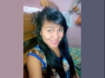 Paola - 18 - Estudiante