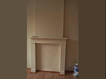 Appartager BE - Chambre dans maison communautaire près de l'ULB - Ixelles-Elsene, Bruxelles-Brussel - 250 € / Mois