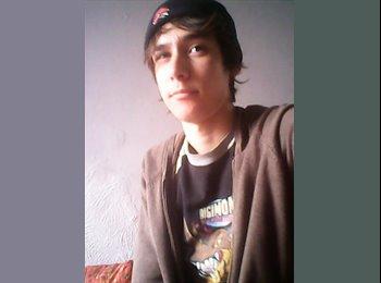 jonathan - 18 - Estudiante