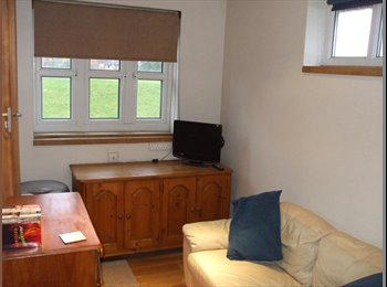 EasyRoommate UK - Large quiet house in cul-de-sac - Kemsley, Sittingbourne - £400 pcm