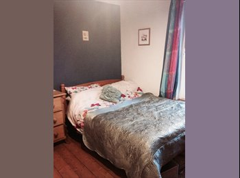 EasyRoommate UK - Lovely double Kent Marshes original features - Conyer, Sittingbourne - £420 pcm