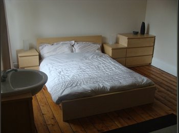 EasyRoommate UK - Spacious Fully Furnished Room to Let ALL BILLS INC - Gloucester Centre, Gloucester - £395 pcm