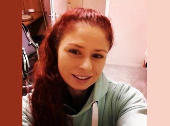 Christina - 30