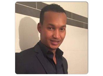 Mohamed  - 30 - Professional