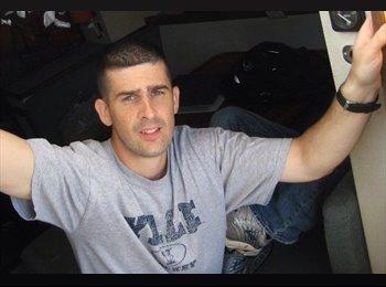 Sean - 36 - Professional