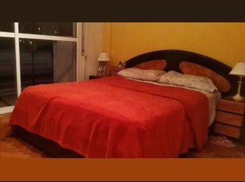 CompartoDepto AR - Habitación con cama doble! - Monserrat, Capital Federal - AR$ 3.500 por mes