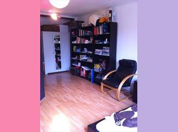 EasyWG AT - Teilmöbliertes WG-Zimmer in herzlicher 3er-WG - Wien 17. Bezirk (Hernals), Wien - 370 € pm