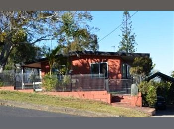 WEST GLADSTONE - QUIET SETTING SHORT OR LONG TERM