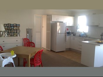 EasyRoommate AU - Beautiful room 2 minutes walking to Coogee Beach - Coogee, Sydney - $250 pw