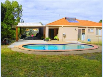 EasyRoommate AU - Attractive shared accommodation - Ashmore, Gold Coast - $180 pw