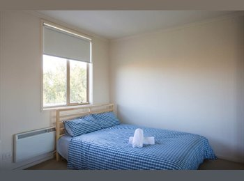 EasyRoommate AU - Clean, tidy master room is available for renting - Maribyrnong, Melbourne - $198 pw