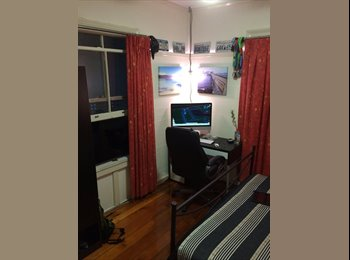 EasyRoommate AU - Room to rent  - Red Hill, Brisbane - $180 pw