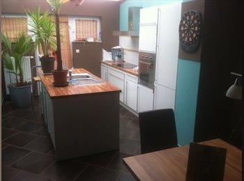 Appartager BE - Maison en colocation Charleroi - Châtelet, Charleroi - 350 € / Mois