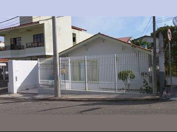 EasyQuarto BR - Hostel do Continente - Centro, Florianópolis - R$ 450 Por mês