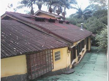 EasyQuarto BR - Alugo 18 quartos e 14 wc piscina e churrasqueira - Diadema, RM - Grande São Paulo - R$ 6.999 Por mês