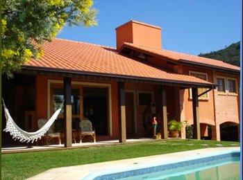 EasyQuarto BR - Lindas Suites em casa na Lagoa da Conceição - Lagoa da Conceição, Florianópolis - R$ 1.000 Por mês