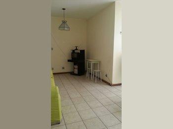 EasyQuarto BR - quarto/suite na Praia Campista - Praia Campista, Macaé-Rio das Ostras - R$ 450 Por mês