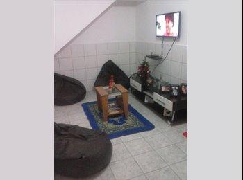 EasyQuarto BR - Divido apartamento na Encruzilhada - Recife, Recife - R$ 450 Por mês