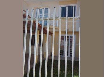 EasyQuarto BR - Alugo quarto em sobrado. - Fazenda Rio Grande, Grande Curitiba - R$ 280 Por mês