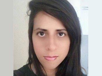 Juliane - 26 - Estudante