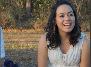 Gabriela M. - 26 - Estudante