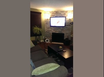 Spacious Room in a beautifully Renovated Townhouse
