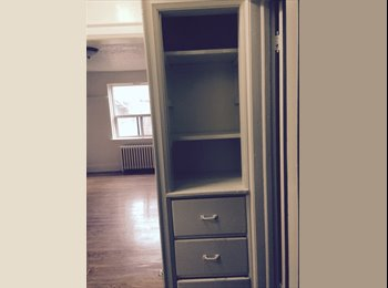 Bright, big room for rent in 2 bedroom apartment!