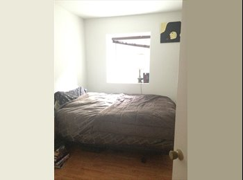 EasyRoommate CA - Room available for May 1st - short/long term - Le Plateau-Mont-Royal, Montréal - $690 pcm