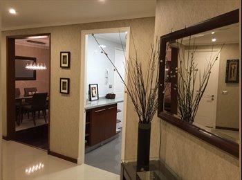 Habitacion con Baño privado, TV, WIFI, Closet!