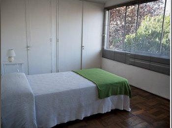 arriendo Piezas / Rooms for rent