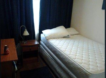Arriendo Dormitorio amoblado