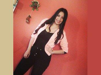 Sandra  - 20 - Estudiante