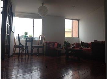 Habitación en hermoso apartamento en renta