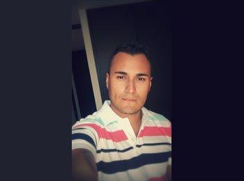 Esteban  - 28 - Profesional