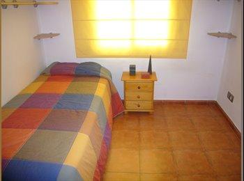 EasyPiso ES - BONITO Y ACOGEDOR PISO - Castelldefels, Barcelona - 350 € por mes