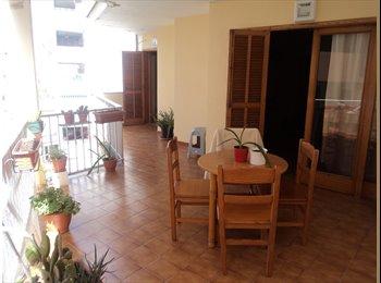 Habitación en AMPLIO PISO A 50 Mts. de la playa