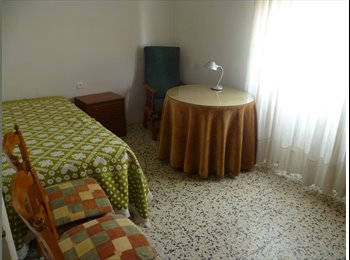 EasyPiso ES - Habitacion libre - Centro, Almería - 150 € por mes